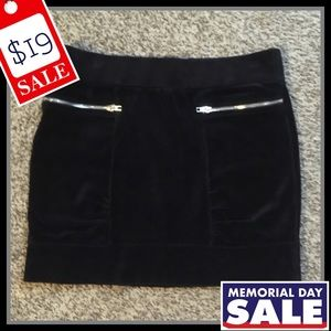 Juicy Couture Solid Black Casual Skirt